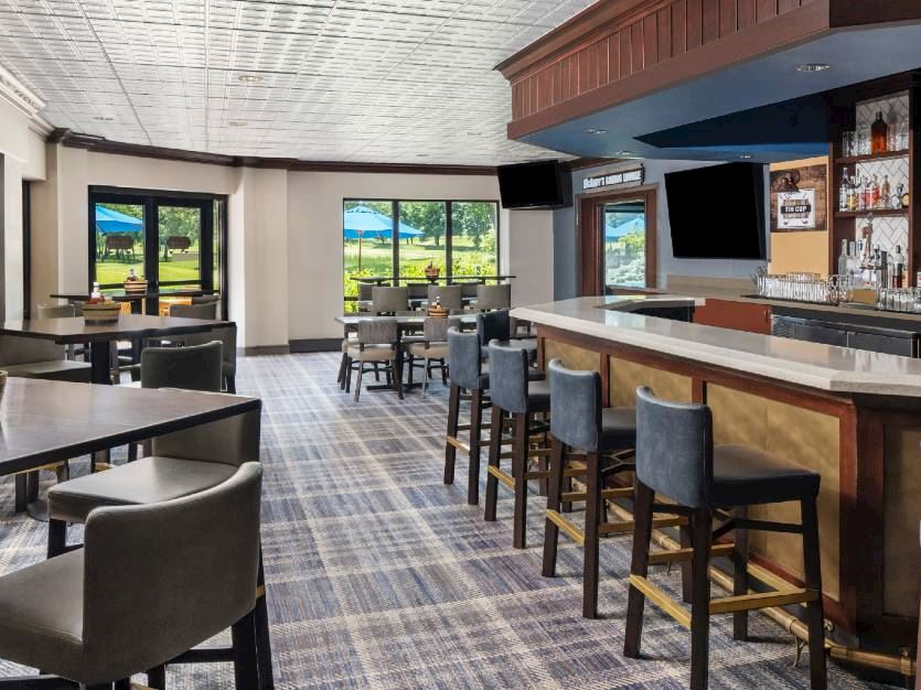 Tin Cup Bar & Grille at Oak brook hills resort Chicago