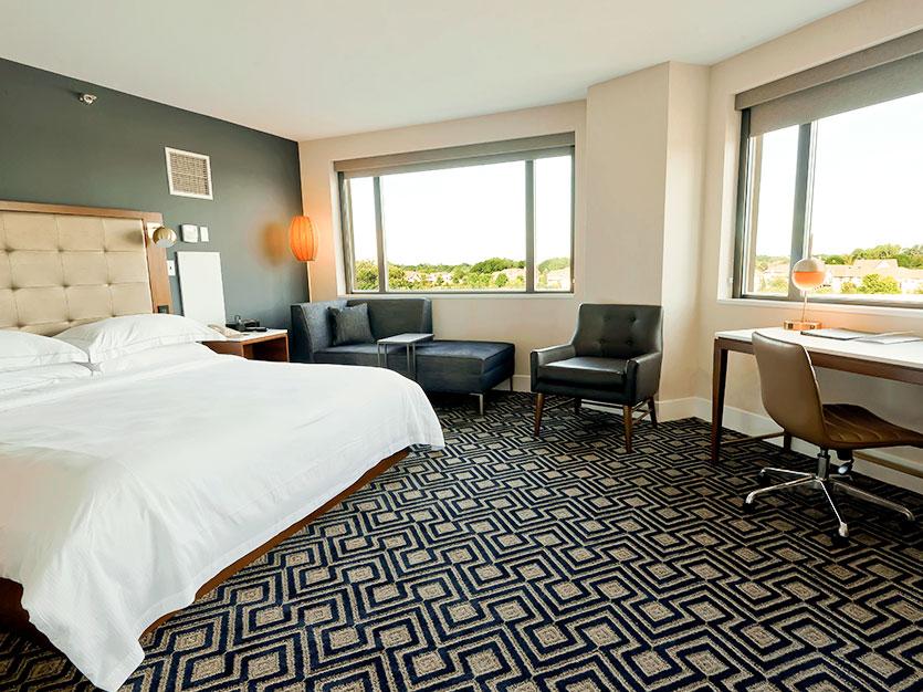 1 King Bed Corner Room at Oak brook hills resort Chicago