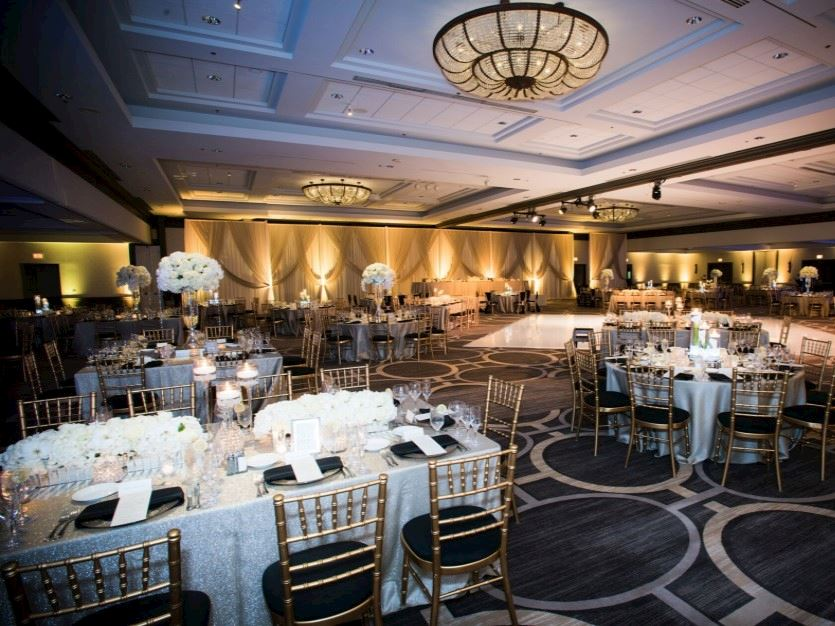 oak-brook-hills-resort-wedding-showcase-2020